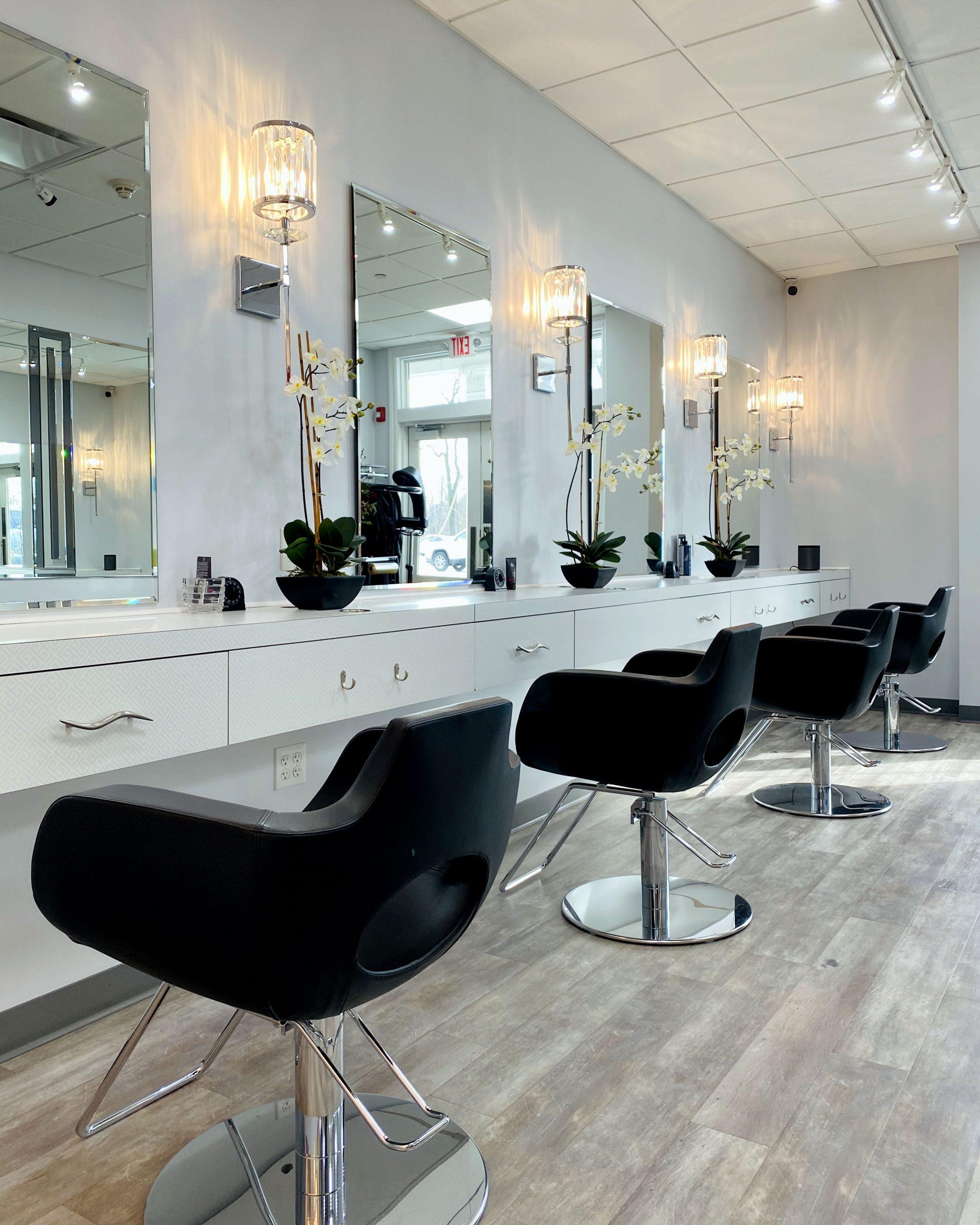 Julia's Salon