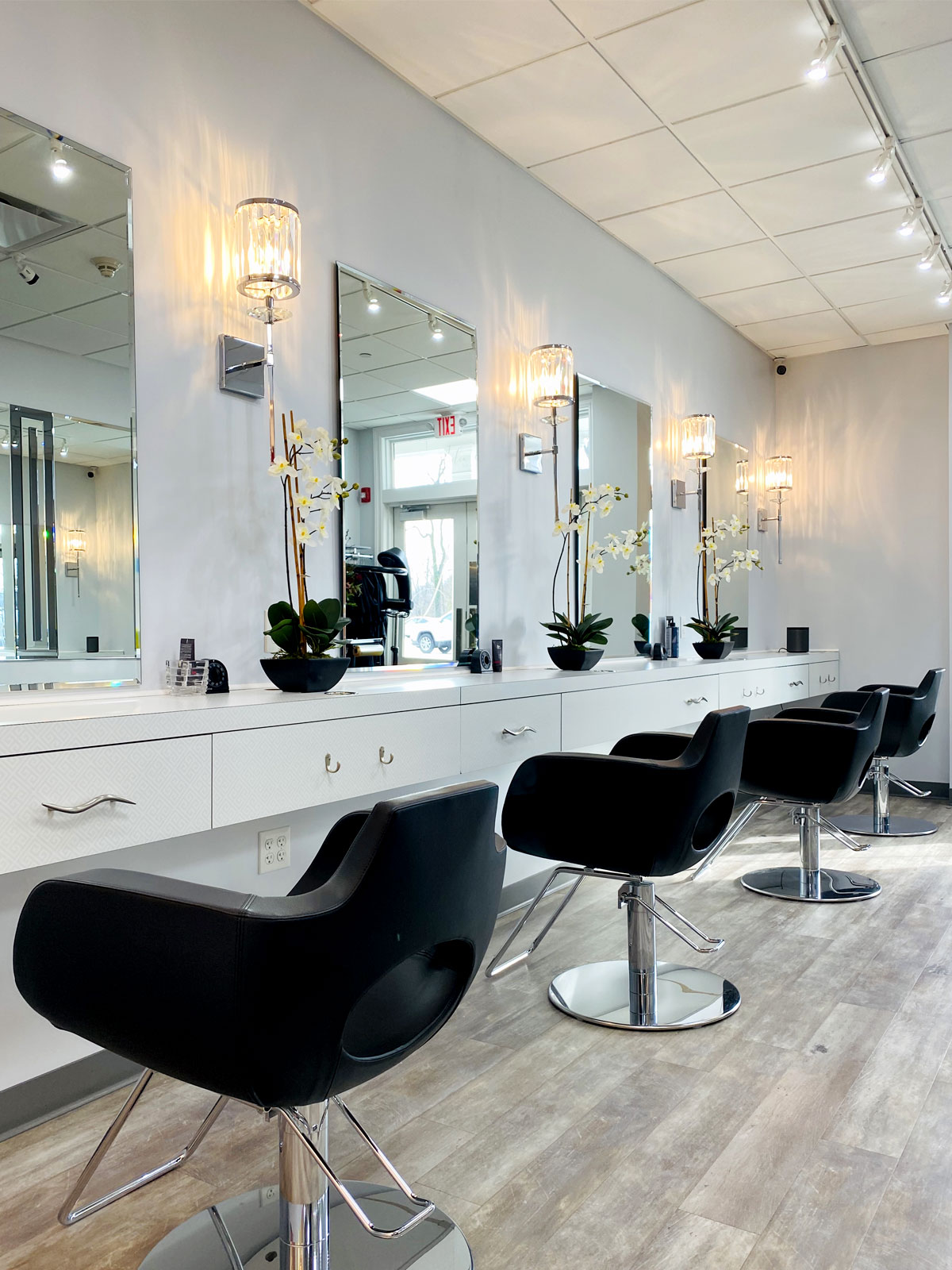 Julia's Salon & Company - Darien Ct