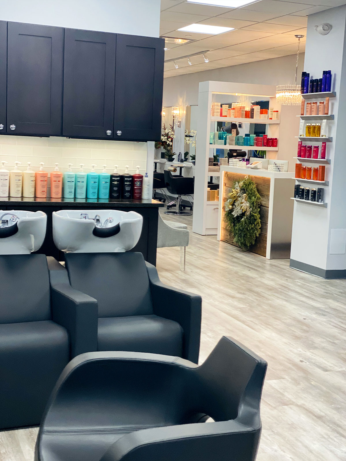 Julia's Salon & Company - Darien Ct